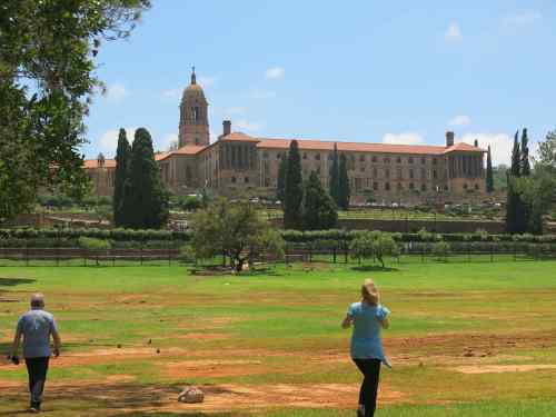 The Assembly building in Pretoria is most impressive and was very close to the Sheraton Hotel where we spent a very comfortable night.